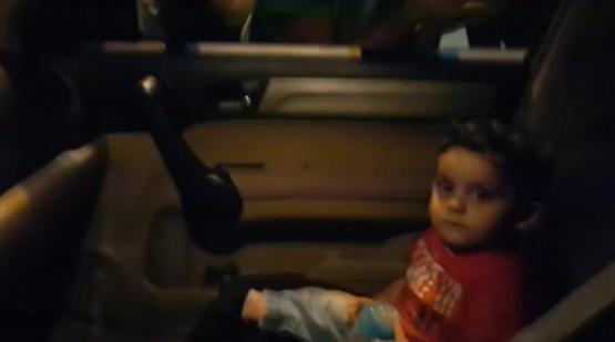 El nene quedó sorprendido por la reacción.