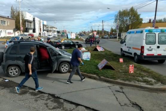 Choque en Avenida Gregores (C.G)