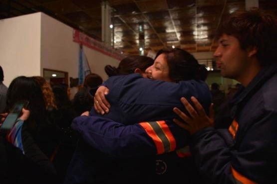 Los trabajadores tras la sesión (Foto: C.Robledo).