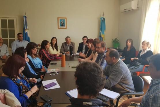 Reunión de ministro y docentes.