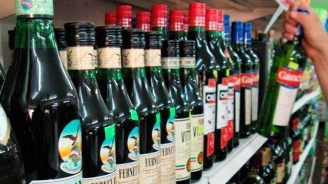 Desde el sábado a las 20 no se puede vender alcohol.