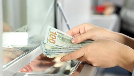 Viernes pre electoral: el dólar trepó a $65