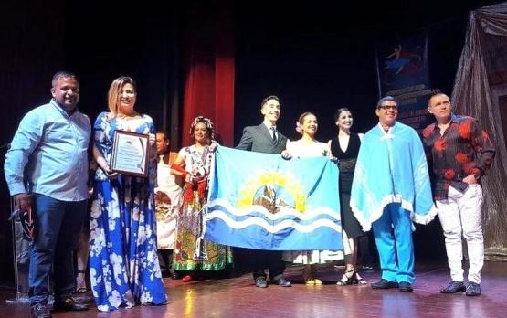 El cuerpo de baile deslumbró al público latinoamericano.