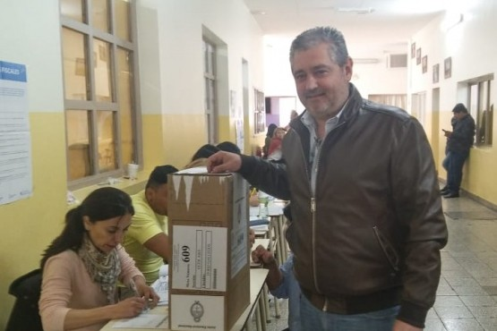 Fadul votó en el Fátima (Foto y video JC Gonzalez)