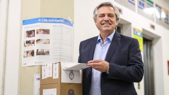 Alberto Fernández votó al mediodía.