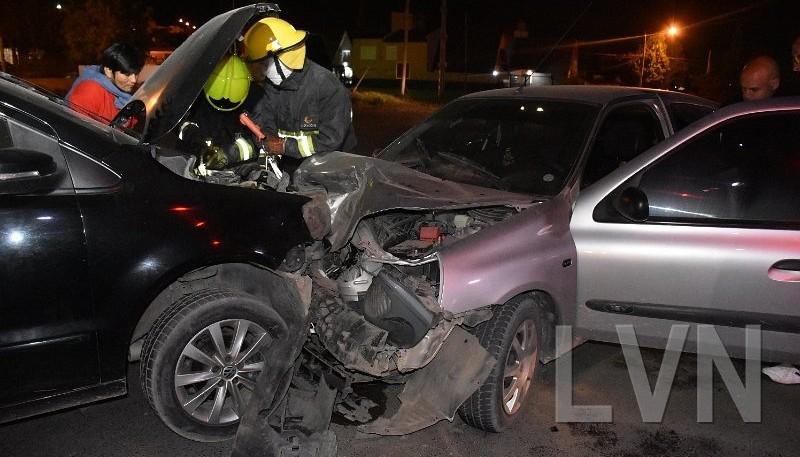 Dos personas lesionadas por el choque frontal.