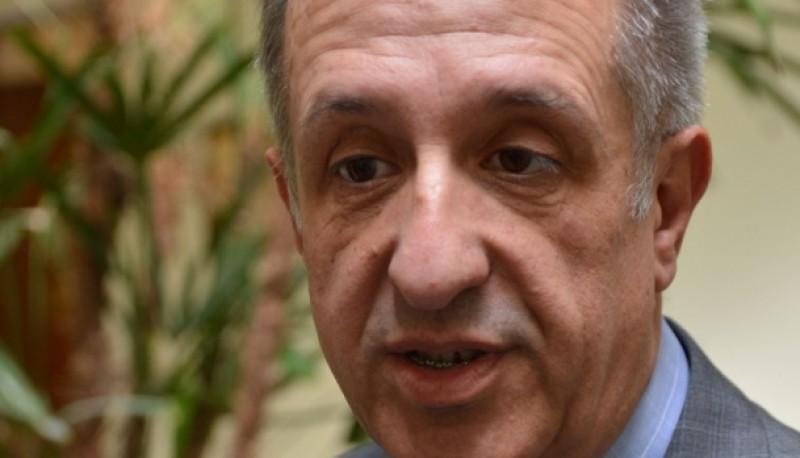 El ministro de Economía, Oscar Antonena .