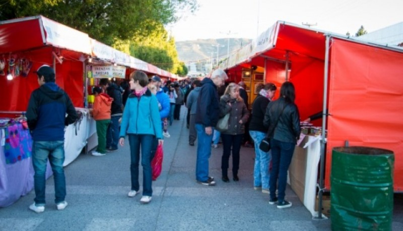 Feria de artesanos (Foto archivo).