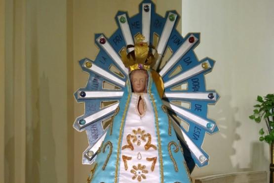 La Virgen que acompaño a los veteranos en 1982 vuelve a Argentina