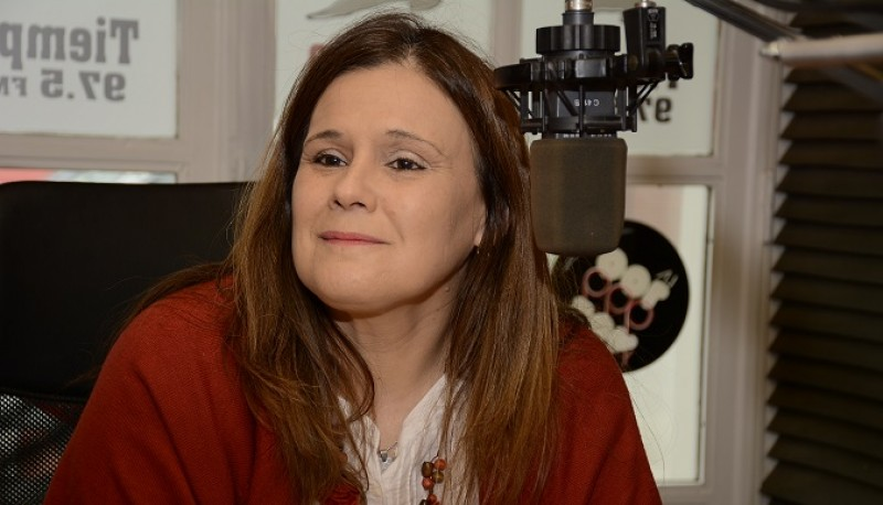 La electa diputada nacional, Paola Vessvessian en Tiempo FM. (Foto C.R.)