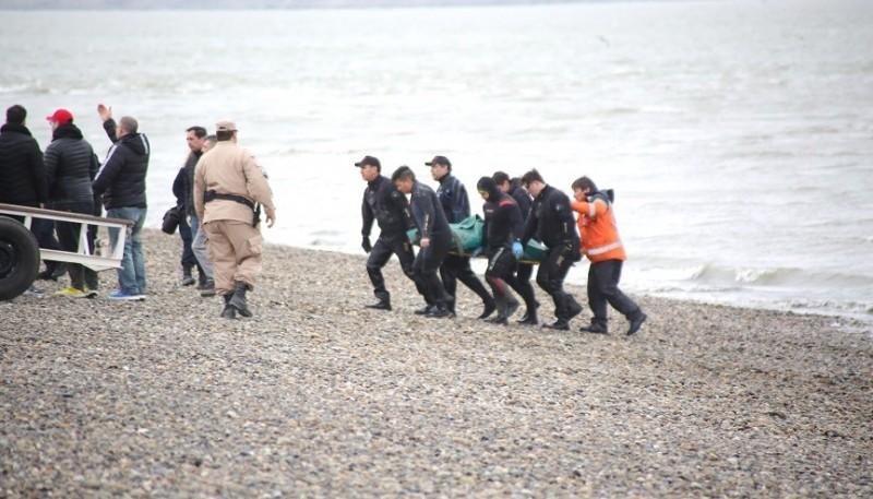 El cuerpo del joven fue rescatado pasadas las 16:00 de ayer. (Foto: C.G.)