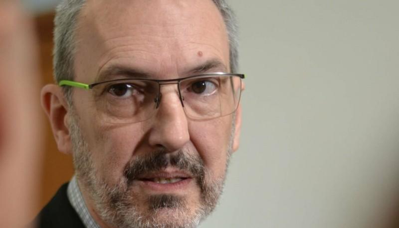 El ministro de Salud Fabián Puratich