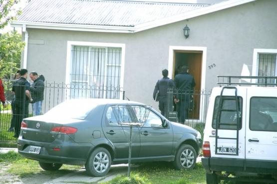 Policías de la Comisaria Primera trabajaron en el lugar. (Foto: C.G.)