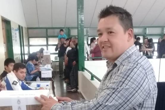Gerardo Terraz votando en las últimas elecciones (Foto Voces y Apuntes)