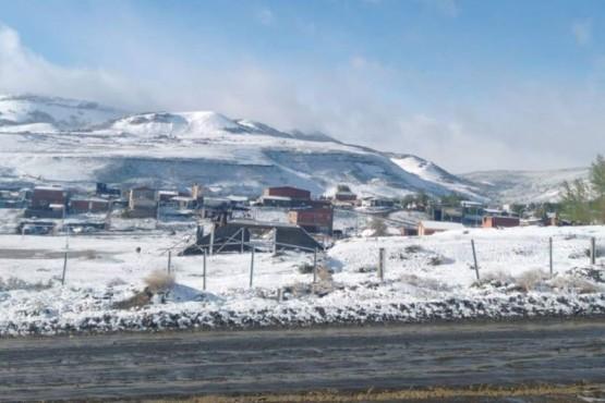 Las montañas de blanco tras la nevada (Fotos Municipio de Río Turbio)