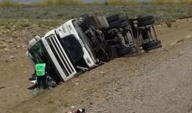 El viento causó dos graves accidentes en la ruta