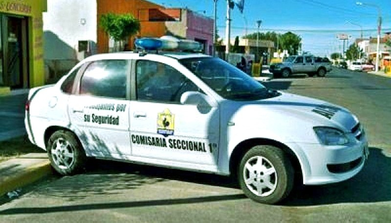Móvil policial de Pico Truncado.