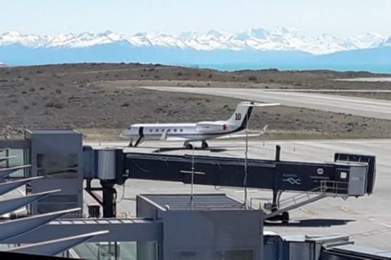 El avión de Messi en el aeropuerto.