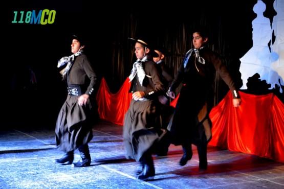 600 bailarines compiten en el 4° certamen de malambo