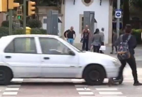 El momento en que la mujer fue atropellada. (Foto: Captura de pantalla)