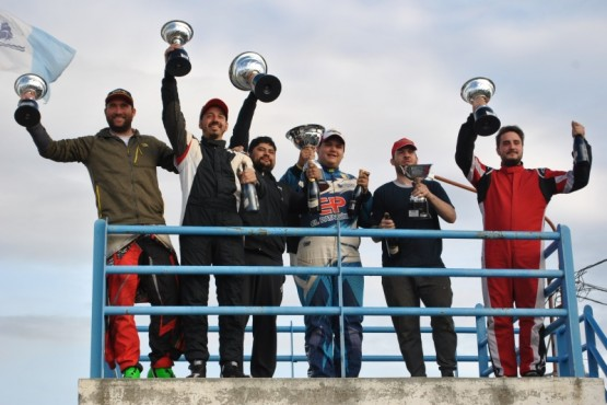 Los podios de la jornada. (J. C. C)