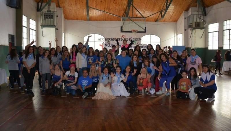 """""""Mujeres en Movimiento"""""""