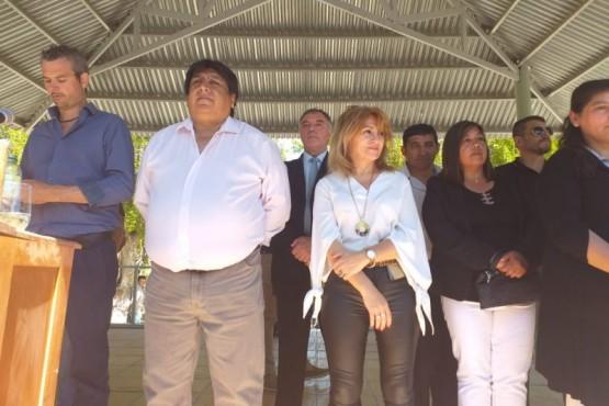 El intendente Calpanchayjunto a Papaiani del Instituto Provincial de la Vivienda.