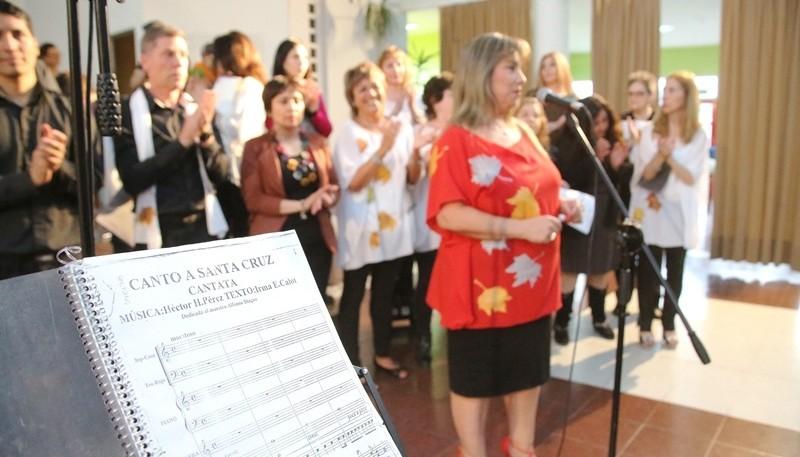 Canto a Santa Cruz en el Conservatorio