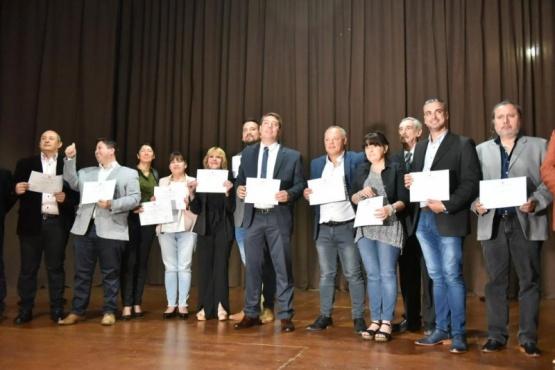 Recibieron sus diplomas las autoridades electas.