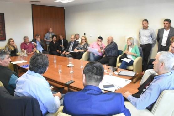 Reuniones con funcionarios y dirigentes políticos.