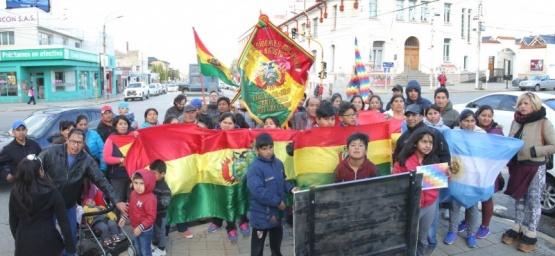 Manifestación en Kirchner y San Martín. (C.G)
