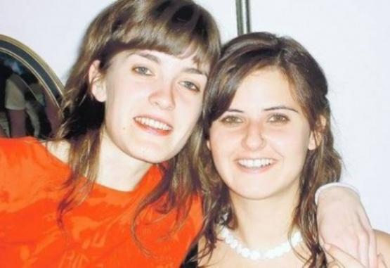 Del lado izquierdo Lucila, del derecho de la foto, Solange.