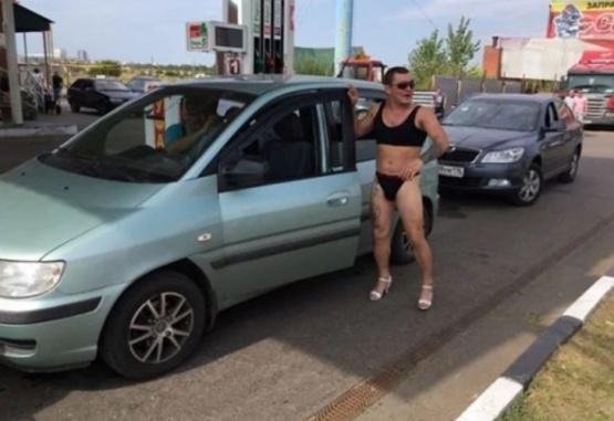 Las imágenes de estos divertidos clientes se viralizaron rápidamente.