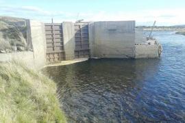 Preocupación de pescadores por las compuertas y desvíos en los ríos