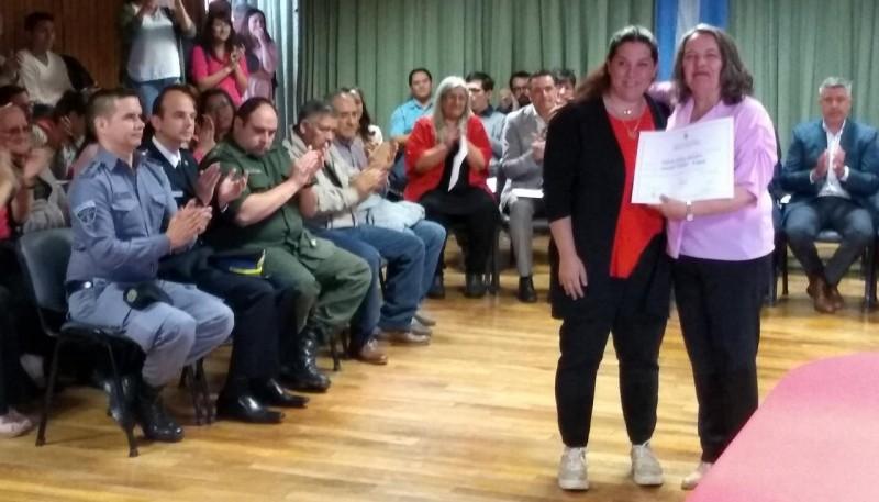 Valeria Saunders, concejala electa y actual ministra de la familia.