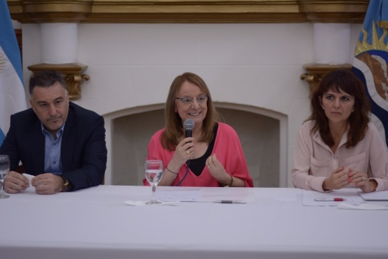 La gobernadora, Alicia Kirchner. (C.R)