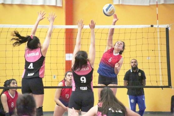 Los partidos se jugaron en el gimnasio del Secundario Nº26.