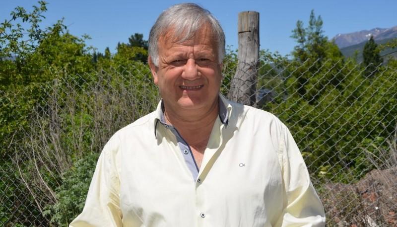 El intendente de Tecka, Jorge Seitune