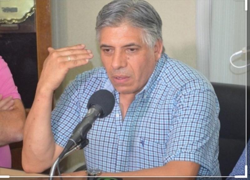 David González.