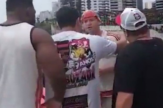 Pelea en un shooping entre hinchas de River y Flamengo