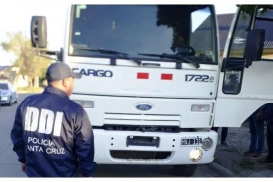 El Ford Cargo fue recuperado en Río Gallegos.