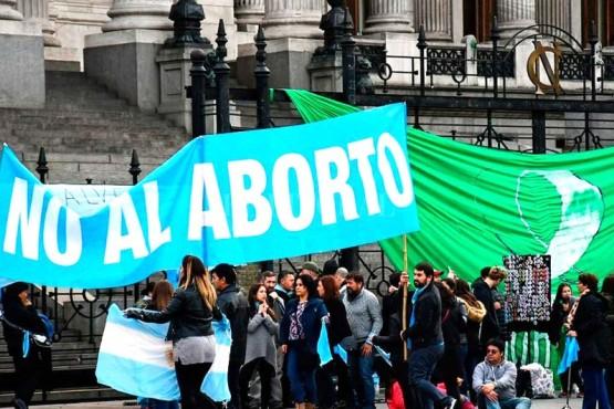 Militantes de las Dos Vidas en contra del aborto.