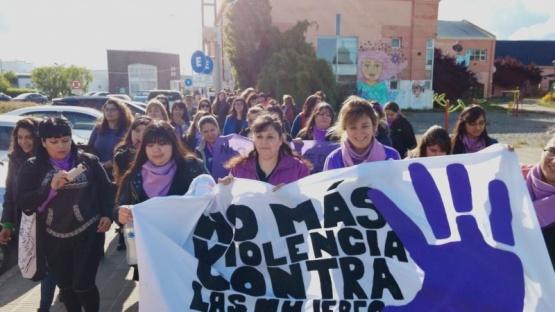 Marcharon contra la violencia hacia las mujeres
