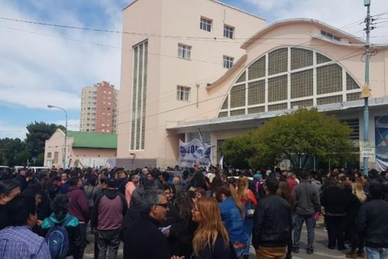 Municipales movilizados contra el aumento de paritarias