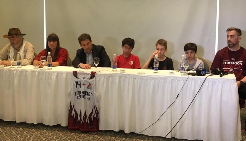 Juan Pablo Luque habló con la prensa.