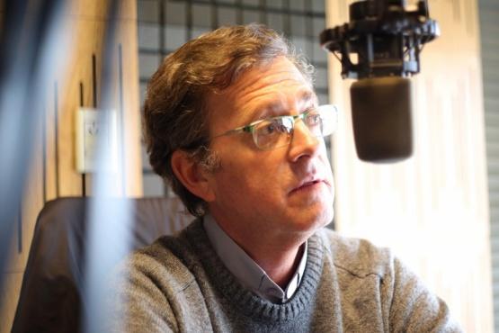 El Obispo en los estudios de Tiempo FM (C.G)