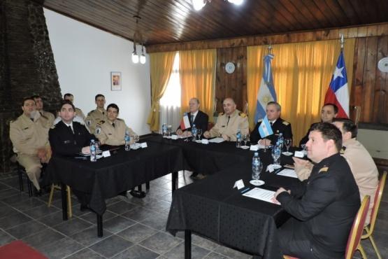 Participan referentes de la Prefectura Naval Argentina y de la Armada de Chile.