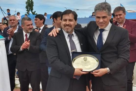 El Vicegobernador Pablo González junto al Intendente Néstor González .