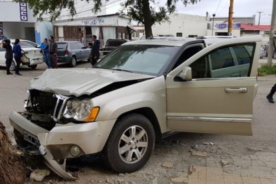 Un nene de ocho años impactó con el auto de su padre a tres vehículos