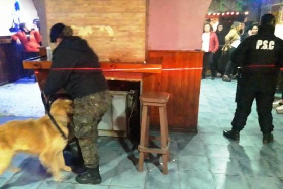 18 demorados durante un amplio operativo de la Policía de Santa Cruz